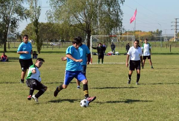 La nueva edición de la Liga Especial de Fútbol se pone en marcha en Tigre