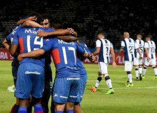 Tigre acertó en los primeros minutos y superó en Córdoba a Talleres