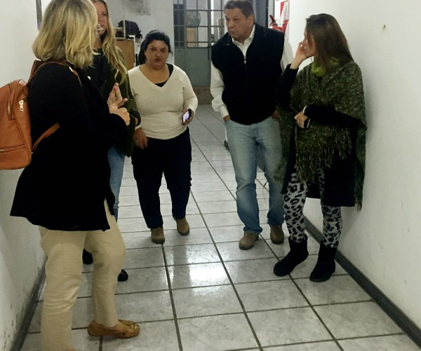El concejal de San Isidro Juan Medina visitó el refugio nocturno de Tigre