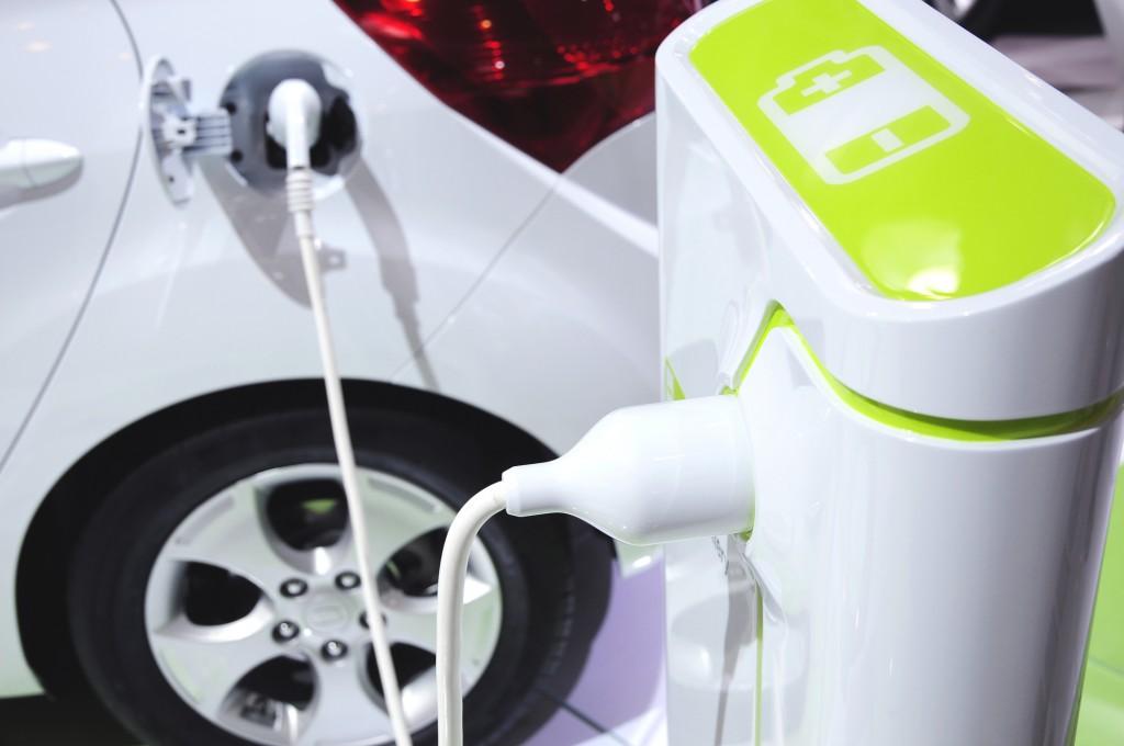 Un auto eléctrico gastará $200 para hacer 800 kilómetros con una carga completa