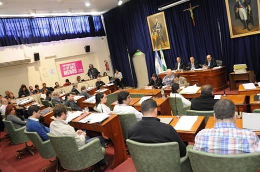 El HCD de San Isidro aprobó hoy la rendición de Cuentas de 2016. Tras un prolongado  debate, la votación fue desempatada por el voto doble del presidente del HCD Carlos Castellano.