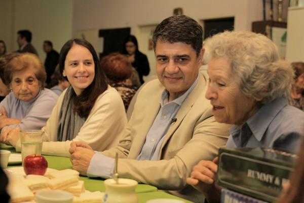 En el marco del Programa de Reparación Histórica, el municipio de Vicente López y la ANSES firmaron un convenio de trabajo, con el propósito de brindarles a los vecinos la asistencia profesional y representación letrada a aquellos beneficiarios, titulares de jubilaciones y pensiones pertenecientes al Sistema Integrado Previsional Argentino.