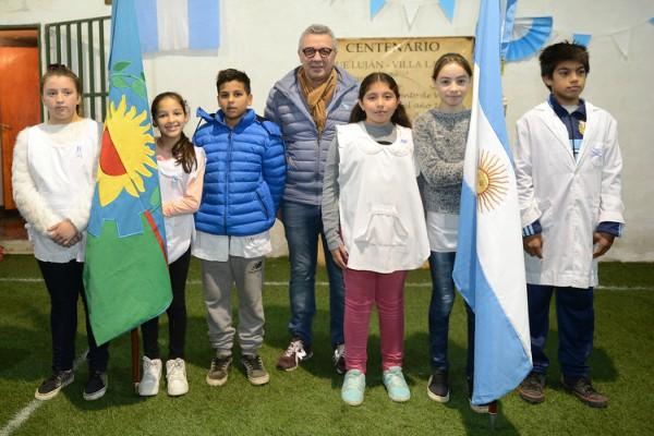 el intendente de Tigre en el marco de los festejos por el 25 de Mayo. Zamora recorrió diversas instituciones de la comunidad y compartió la fecha patria con los vecinos.