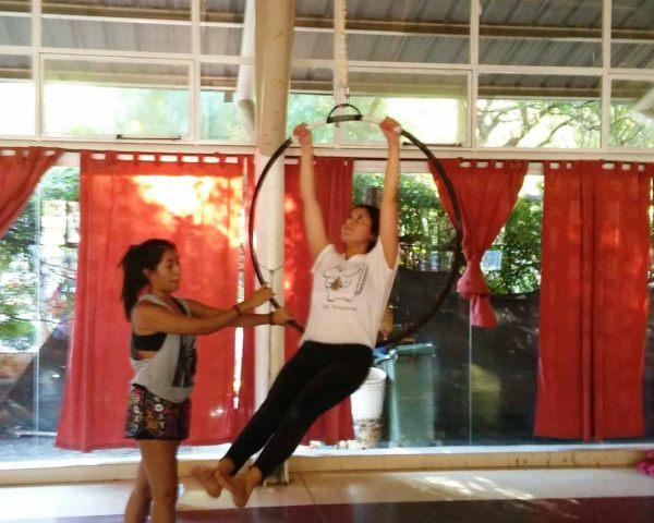 Destreza circense, una disciplina que crece en los polideportivos de Tigre
