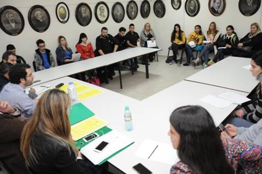 Alumnos de San Isidro expusieron sus proyectos en el legislativo local