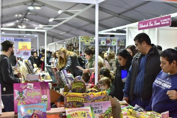 Más de 50.000 pilarenses disfrutaron de su primera Feria del Libro