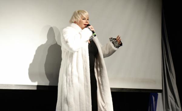 Carmen Barbieri se presentó en el Teatro Martinelli a sala llena