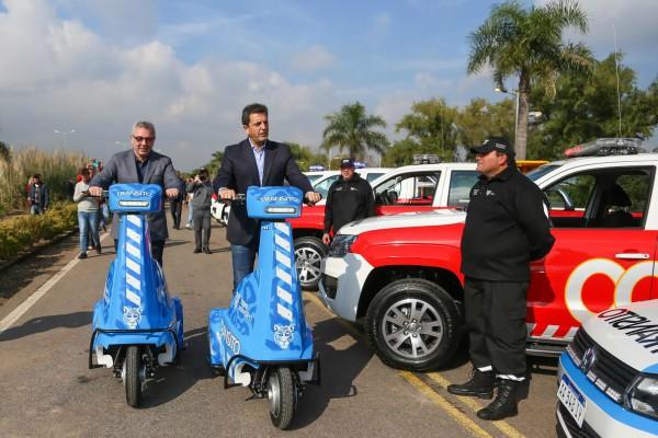 Zamora y Massa presentaron una nueva flota de vehículos para el COT
