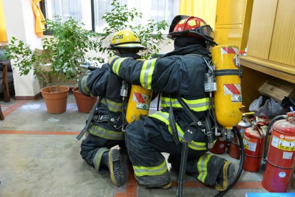 San Fernando realizó un simulacro de incendio en la Escuela Técnica N° 2