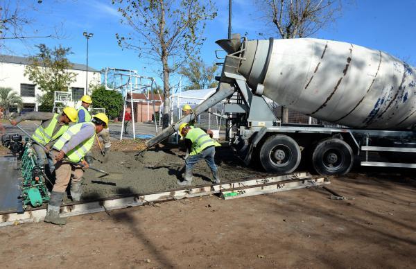 Continúan los trabajos en el nuevo playón multiuso de Troncos del Talar