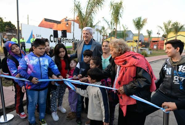 """Andreotti inauguró la nueva plaza """"El Pueblito"""""""