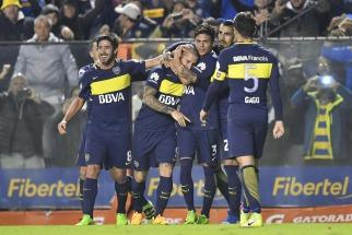 Boca goleó a Independiente y es más puntero que nunca