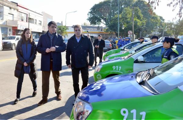El intendente Jorge Macri junto al ministro Cristian Ritondo presentó nuevos móviles y una Torre de Monitoreo Urbano