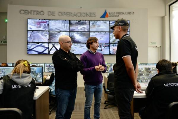 Suman 120 operadores en el Centro de Monitoreo de San Fernando