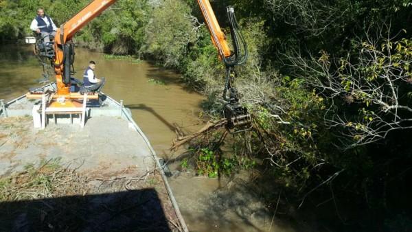 Continúan los trabajos de destronque y reparaciones en el Delta