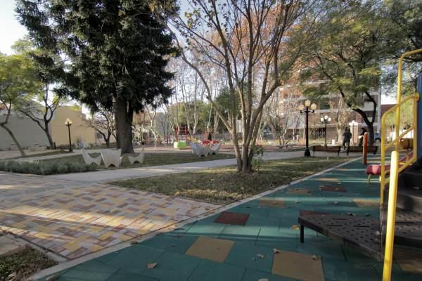 Jorge Macri recorrió la plaza integradora del Instituto Bignone