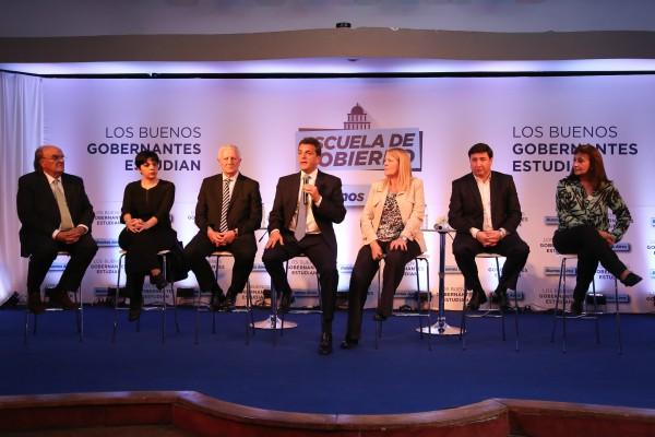 Massa y Stolbizer participaron de la presentación de la escuela de gobierno en  Vicente López: