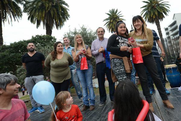 Cientos de vecinos disfrutaron de la kermesse familiar de 1País Tigre