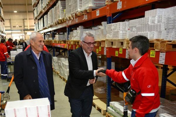 Julio Zamora recorrió con Andreani la planta logística de Benavídez