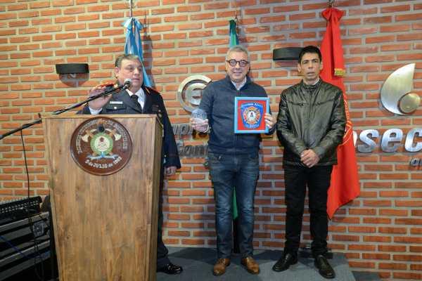 Los bomberos voluntarios de Benavídez celebraron 55 años de valentía y servicio a la comunidad