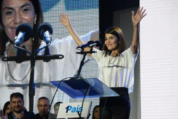 Julio Zamora, intendente del distrito y Gisela Zamora, quien encabeza la lista de concejales, fueron los primeros oradores frente a más de 5.000 personas en el complejo Pipa.