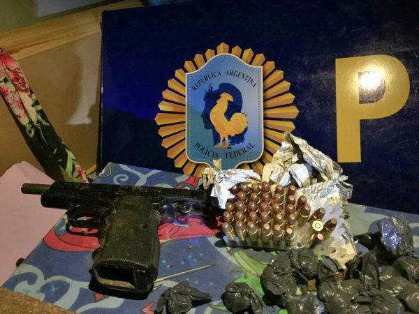 """Operativo """"Narco Parrilla"""" en San Martín: tres detenidos y más de cinco kilos de marihuana incautados"""