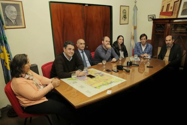 El vicegobernador Salvador y el intendente Macri, en el Comité Radical de Vicente López