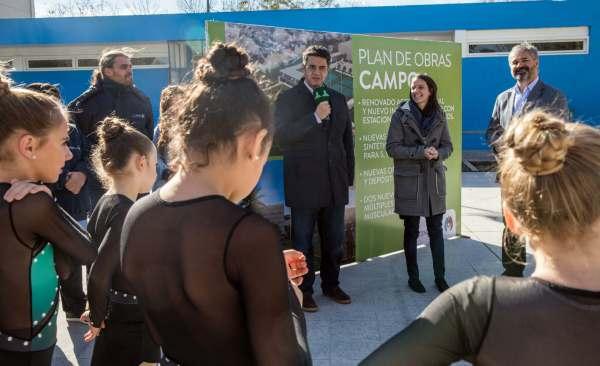El municipio de Vicente López realizó obras para la puesta de valor de la pista de patín en el Campo Municipal de Deportes Nº1 con el objetivo de mejorar las condiciones donde patinan chicas y chicos de distintas edades.