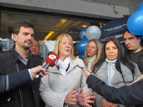 Margarita Stolbizer y Sebastián Galmarini recorrieron el centro comercial de Martínez