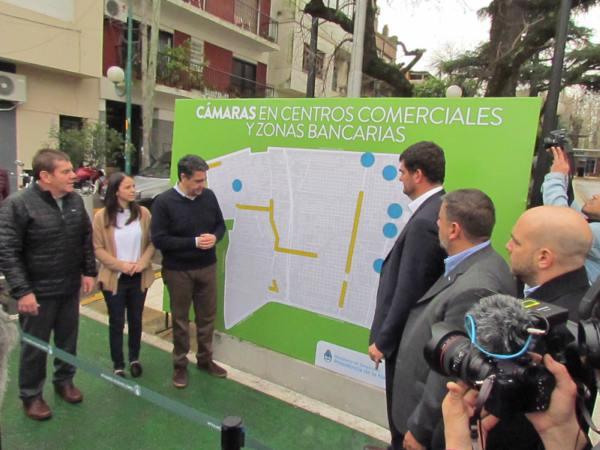 Jorge Macri y Eugenio Burzaco presentaron el proyecto de seguridad para centros comerciales y zonas bancarias