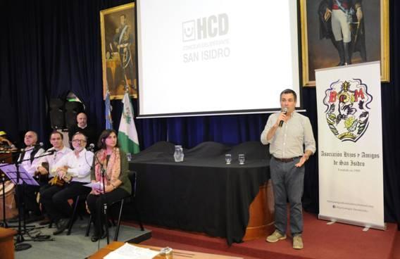 La Asociación Hijos y Amigos de San Isidro organizó una jornada histórica en el Concejo Deliberante en la que se conmemoró la emancipación nacional y se recordaron los hechos que tuvieron lugar en San Isidro.