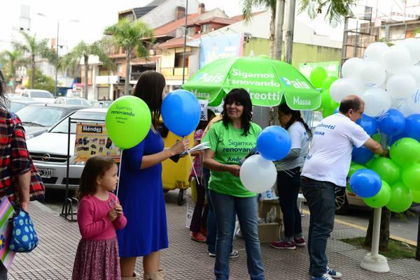 Los precandidatos de 1País San Fernando recorren la ciudad