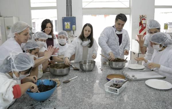 Carolina Stanley, Soledad Martínez y Jorge Macri en un cetro de formación especial
