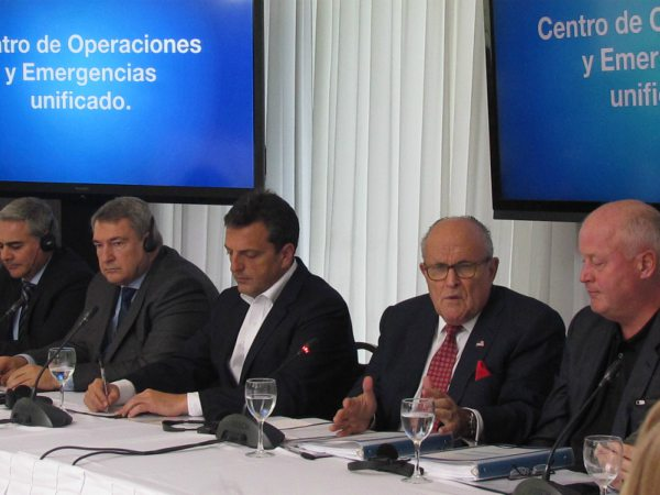 Giuliani asistió a un encuentro con dirigentes sub 40 de 1País, junto al diputado y precandidato a senador Sergio Massa, donde se presentó un informe sobre la seguridad en la provincia de Buenos Aires.