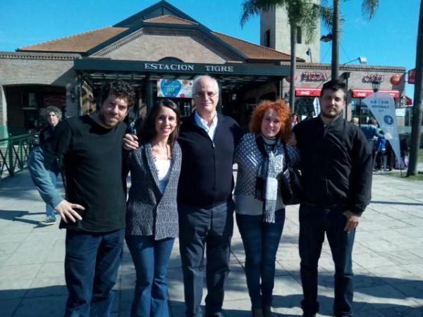 El ex Canciller y actual  Precandidato a Senador Nacional por la Provincia de Buenos Aires Jorge Taiana visitó Tigre acompañando a los candidatos locales de la lista 2 que encabeza Roxana López.