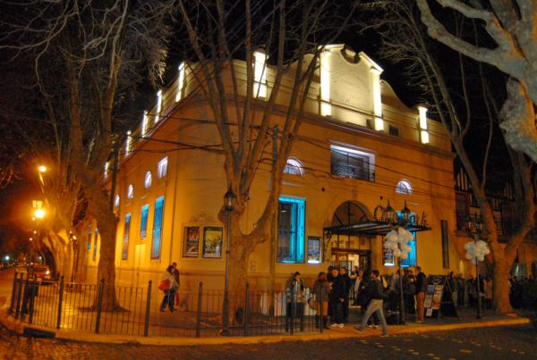 Cine Teatro York (Alberdi 895, Olivos)