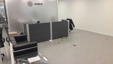 Dos heridos por la explosión de un sobre-bomba en Indra, la empresa que hará el escrutinio de las PASO