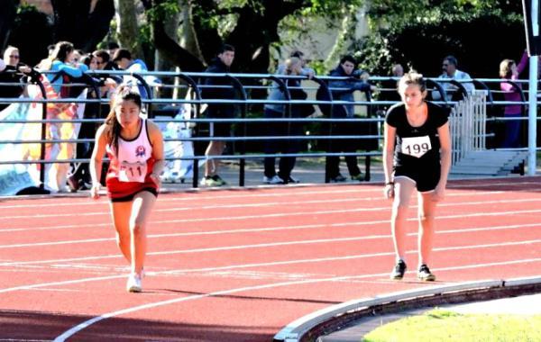 Gran performance de atletismo de los jóvenes tigrenses en el Torneo Metropolitano