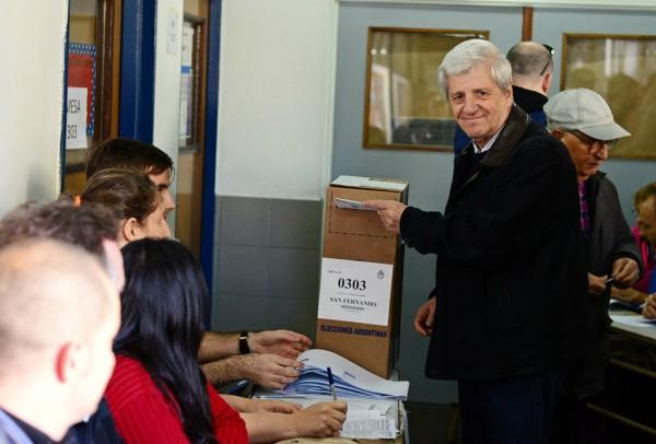 Luis y Alicia Andreotti votaron en Victoria