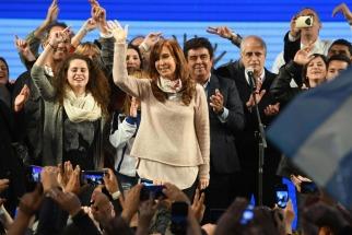 La precandidata a senadora por la provincia de Buenos Aires por Unidad Ciudadana Cristina Kirchner dijo esta madrugada que