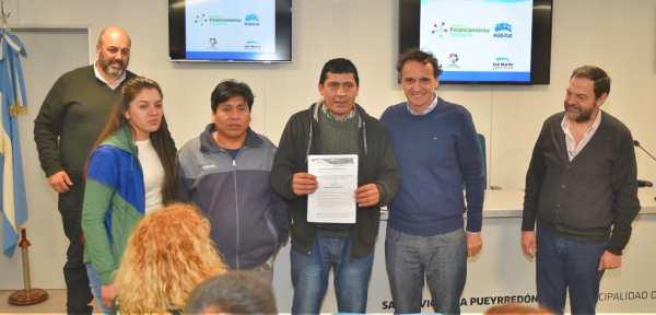 San Martín entregó nuevos microcréditos a emprendedores e instituciones locales