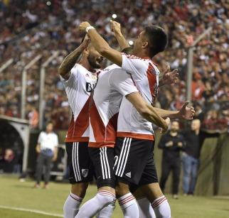River comenzó la defensa del título en Copa Argentina con un triunfo sobre el humilde Atlas