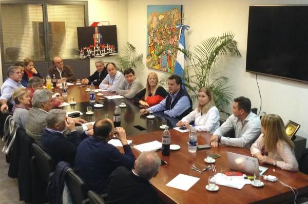 Massa y Stolbizer se reunieron con diputados de 1Pais para diagramar la campaña tras el tercer puesto en provincia