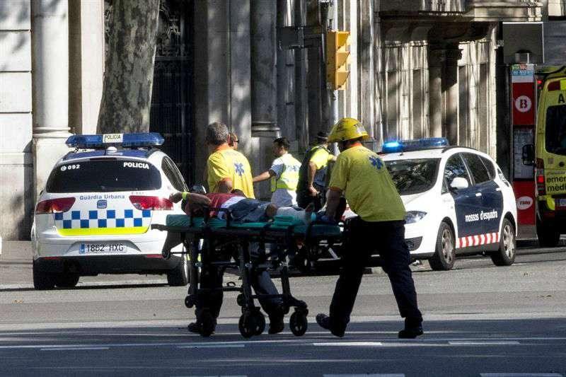 Trece muertos y más de 50 heridos en el atentado en la Rambla de Barcelona