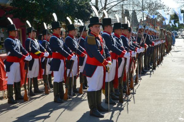 El Municipio de Tigre conmemoró los 167 años del paso a la inmortalidad del General José de San Martín. El evento desarrollado en la plaza homónima de Don Torcuato contó con el clásico desfile cívico militar organizado por el distrito y la Comisión Sanmartiniana de la localidad.