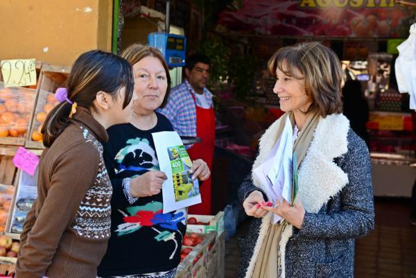 Alicia Andreotti presentó a vecinos y comerciantes la nueva etapa de Sanfer Recicla