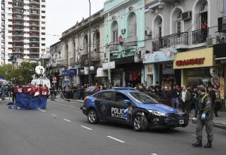 Una mujer muere atropellada tras un choque múltiple que involucró a un patrullero en Belgrano