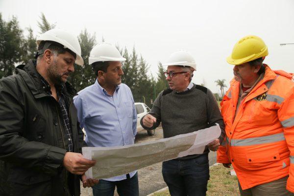 El diputado y candidato a senador nacional por 1País, Sergio Massa, recorrió este viernes obras viales que se desarrollan en el municipio de Tigre.