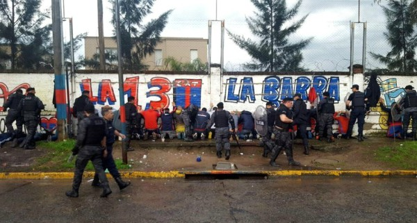 Detuvieron a 23 barras de Tigre antes del partido con Vélez