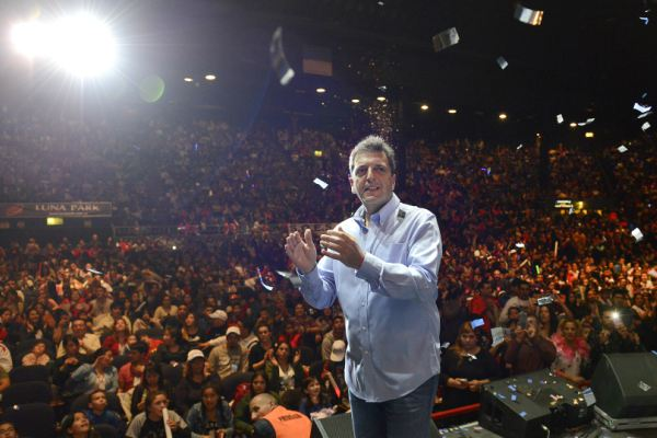 Sergio Massa, estuvo en un evento por el aniversario del sindicato y del Día del Niño, organizado por el Sindicato de Obreros y Empleados de Estaciones de Servicio, Garages